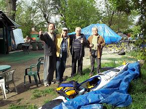 """Photo: A novi sad-i """"fiúk"""". Balról Yugo (ő látott vendégül), az egyesület korelnöke, vezetője és a Janik család feje (ők gardíroztak végtelen kedvességgel)"""