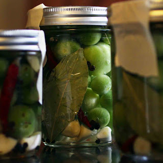 Green Cherry Tomato Refrigerator Pickles