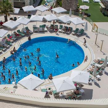aquagym piscine de l'hôtel