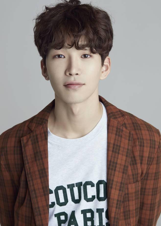 Go_Yoon-1988-p1