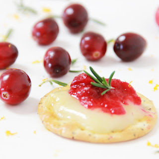 Recipe Warm Cranberry Brie Cheese Appetizer