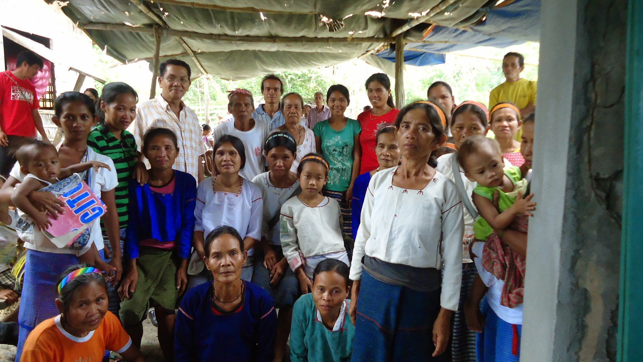 Photo: Manquan heimon keskuuteen perustettiin uusi kirkko ja koulu kesäkuussa 2013.
