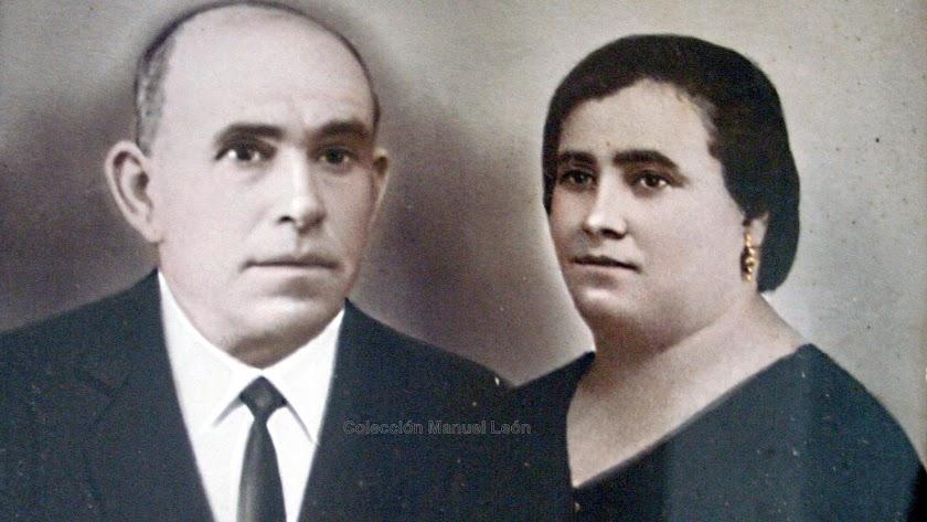 Andrés Garrido el de la Tericia junto a su esposa, Juana Morales Núñez, a la que primero recibió como paciente en su casa de Vera.
