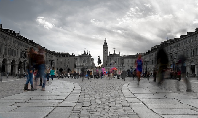La piazza, la vita di bartlindon