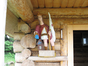 Photo: 09.Św. Florian: rzeźba przy bacówce na polanie. Na 15-lecie firmy ;)