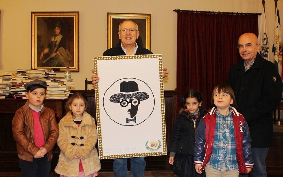 """Biblioteca do jardim de infância recebe grande doação da """"Chiado Editora"""""""