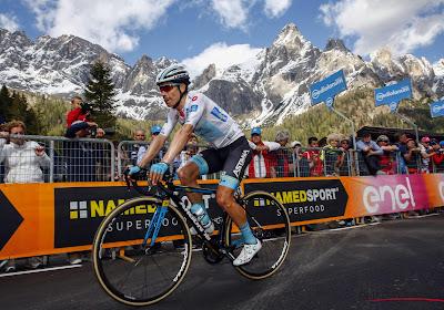 🎥 Mooi om zien: Miguel Angel Lopez legt zijn fans in de watten in de Giro