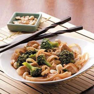 Stir-Fried Chicken and Rice Noodles.