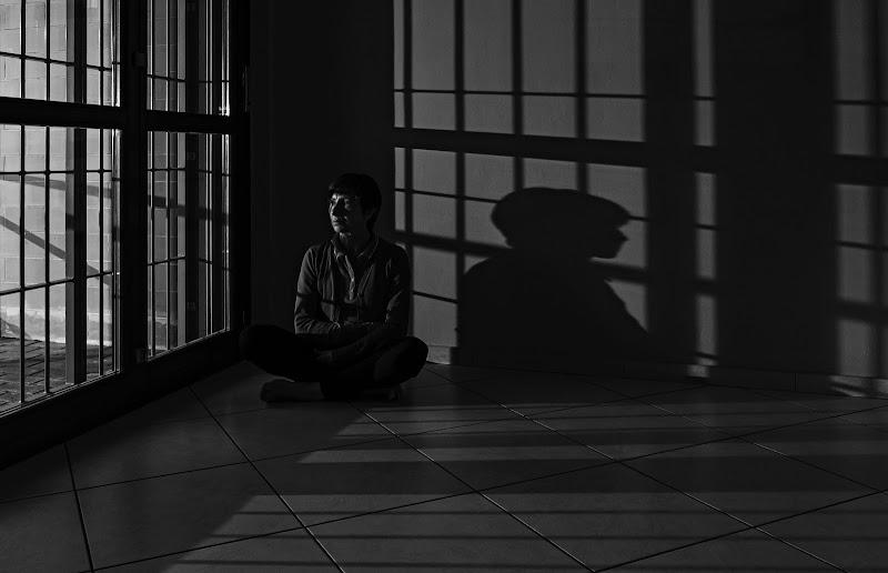 sola con la sua ombra di angart71