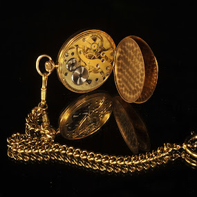 Time remaining... by Lucien Vandenbroucke - Products & Objects Technology Objects ( time, clock, gold, , object )