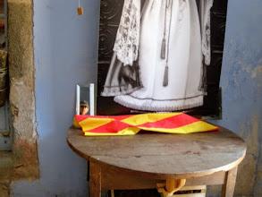 Photo: Ermita de las Salinas, 1080m. Autoritratto con colori catalani e santa.
