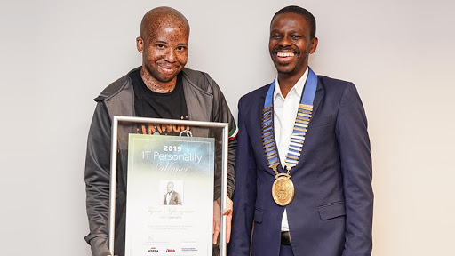 2019 IT Personality of the Year Tiyani Nghonyama and IITPSA president Thabo Mashegoane.
