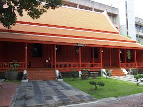 Photo: Maison démontable - Museum National de Bangkok -acun clou !