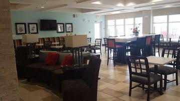 Holiday Inn Express and Suites Havelock Nw New Bern