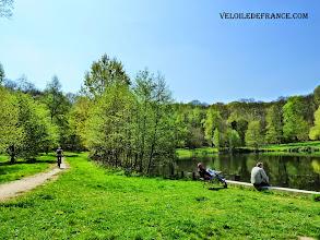 Photo: L'étang des écrevisses dans le Forêt de Meudon -e-guide balade à vélo de Meudon au Château de Versailles par veloiledefrance.com