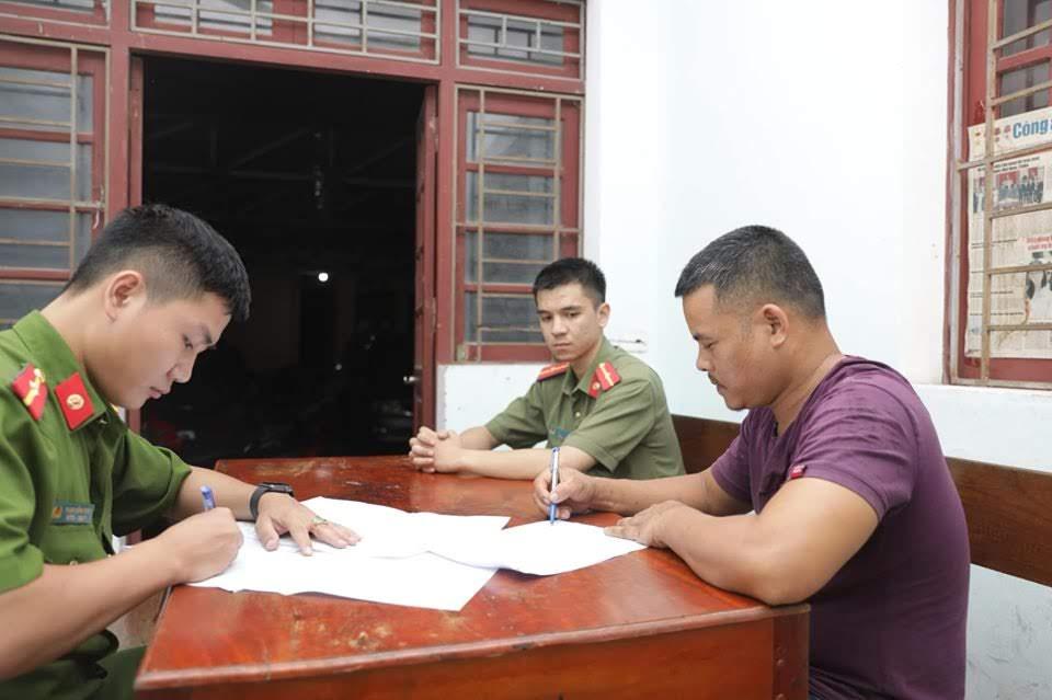 Phan Văn Dũng viết lời khai tại cơ quan điều tra