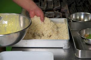 粉+卵+生パン粉をつける