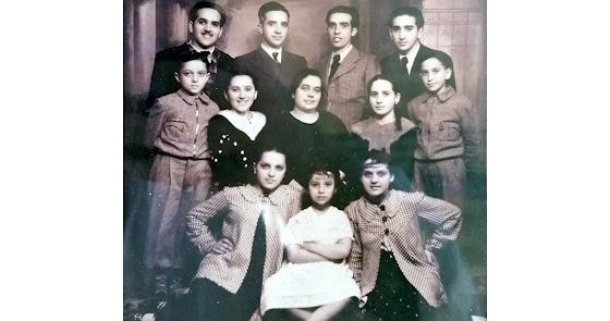 Toda la familia de la confitería La Sevillana