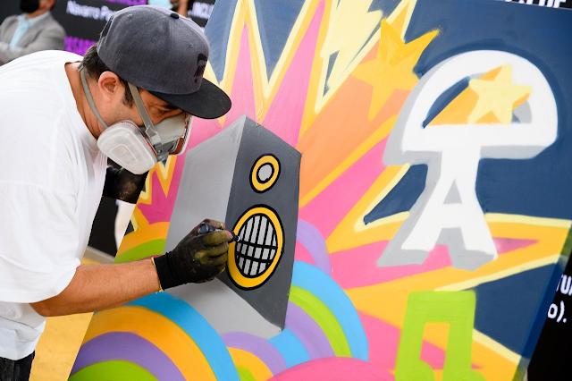 Niko Stook, quien ha creado un graffiti en directo, ha asistido a este evento.
