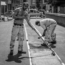 Photo: Body-Painting.....  #street #streettogs #streetphotography #shootthestreet #blackandwhite #bw #monochrome