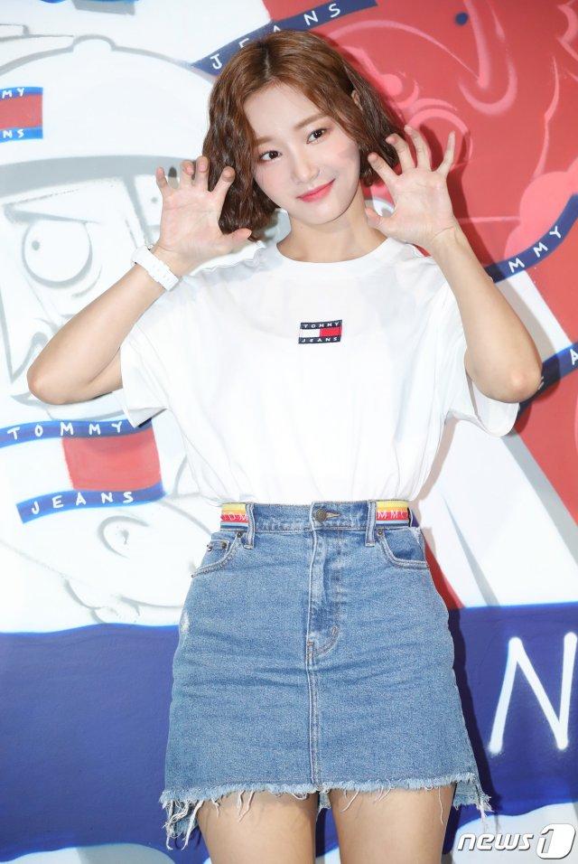 yeonwoo2