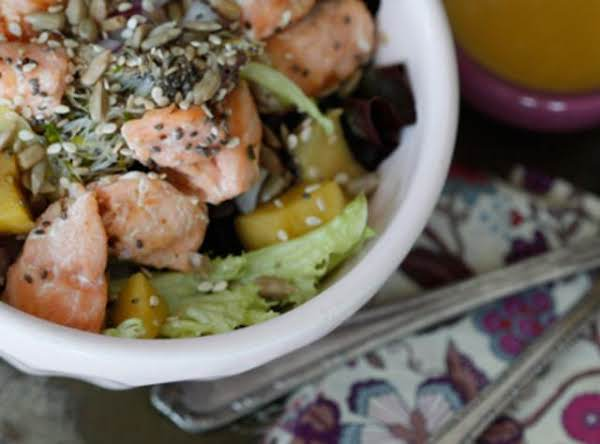 Salmon With Mango Vinaigrette Recipe