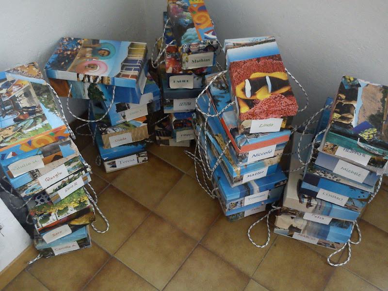 Photo: As caixas de tesouros persoais.