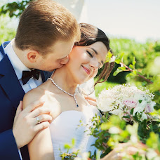 Wedding photographer Ekaterina Nikolaeva (eknikolaeva). Photo of 28.06.2013