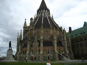 Photo: Parlamento kütüphanesi