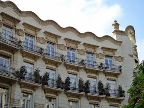 Photo: Edificio Gran Via Marques del Turia.Casa Chapa. Valencia.     http://www.viajesenfamilia.it/
