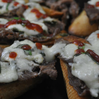 Sirloin with Gorgonzola on Garlic Butter Toast