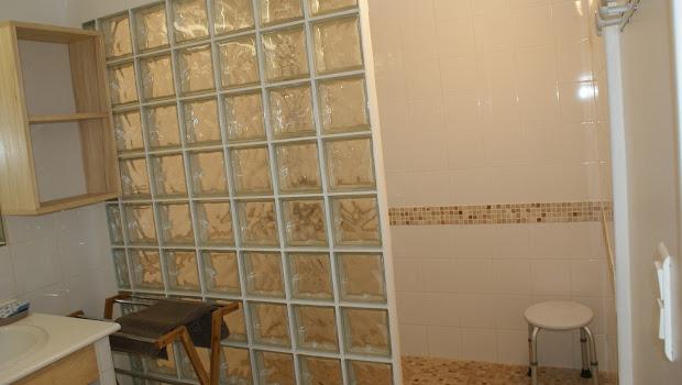 Gîte Le Relais pour 6 à 7 personnes à Surgères en Charente-Maritime Aunis Marais Poitevin 3 étoiles vaste douche à l'italienne