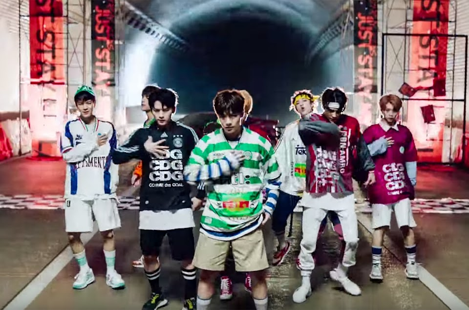 billboard social 50 august stray kids