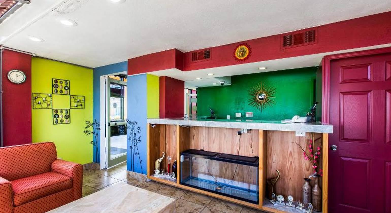 Rodeway Inn & Suites Macon