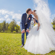 Wedding photographer Yaroslav Skuratov (Skuratov). Photo of 23.09.2014