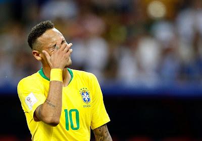 Sous le coup de l'émotion, Neymar fond en larmes
