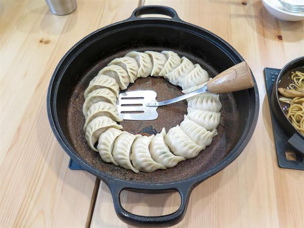 角鑄 -- 日式燒餃子、炒麵、明太子起士蛋捲