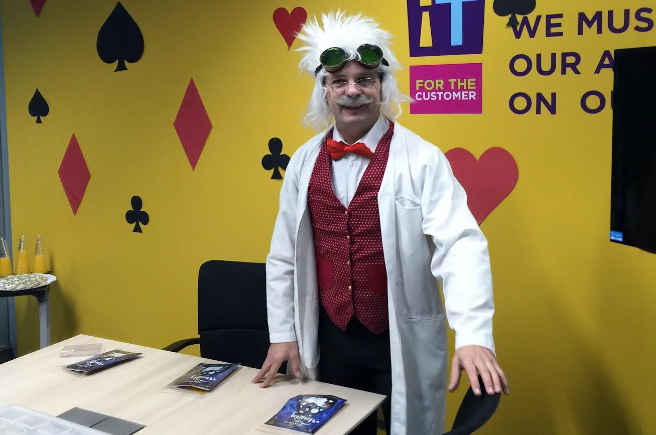 Profesor Ventura taller de magia para niños evento Cigna 2015