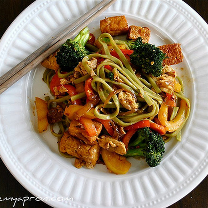Pad Se Ew Tofu with Vegetable Noodles