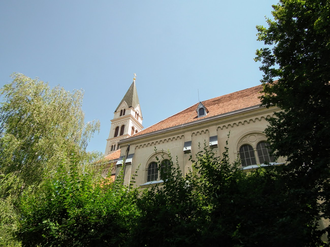 Keszthely - Kis Szent Teréz Kármelita Bazilika