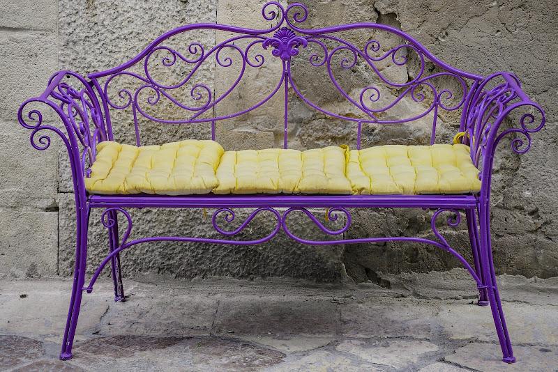Empty bench di adimar