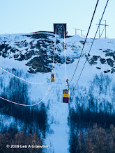 Photo: The cable car up to Fløya, Tromsø