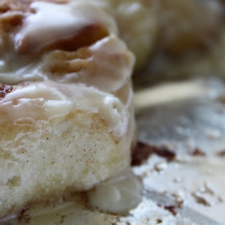 Pioneer Woman Maple Glazed Cinnamon Rolls