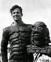 """Photo: O dublê e câmera Ricou Browning fazia """"O Monstro da Lagoa Negra"""" nas cenas aquáticas. http://filmesclassicos.podbean.com"""