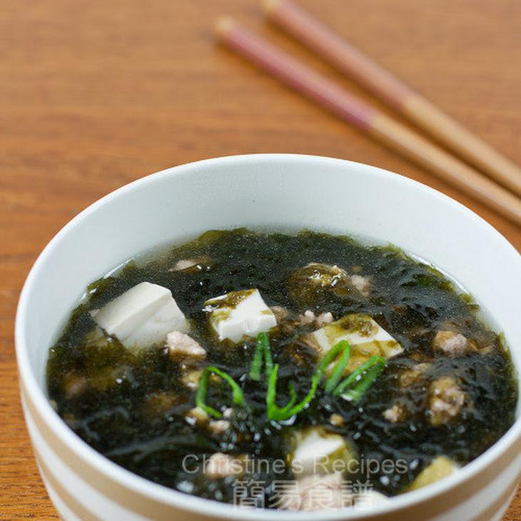 Seaweed, Tofu & Pork Mince Soup Recipe