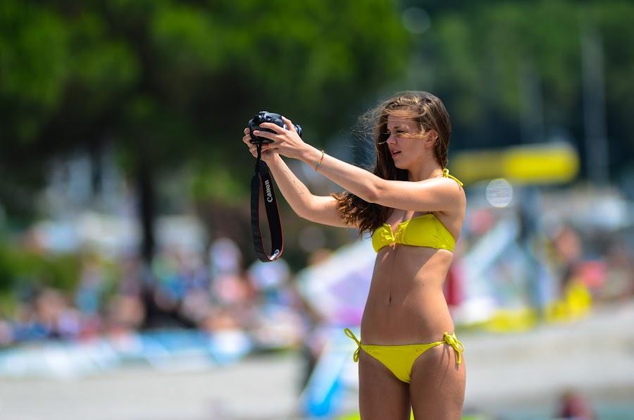 by Matteo Pistacchio Tedeschi - People Street & Candids ( photographer woman beauty beach )