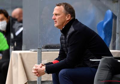 """John van den Brom opgetogen na vlotte derbyzege: """"Wederom geweldig elftal gezien"""""""