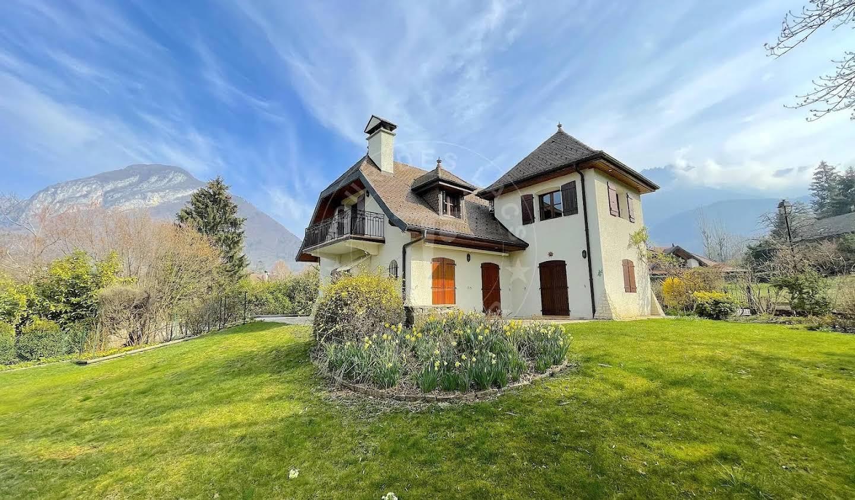 House Menthon-Saint-Bernard