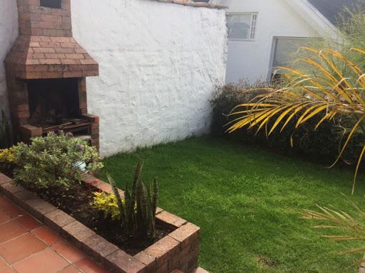 Casas en Venta - Bogota, Bosque De Pinos 642-3883