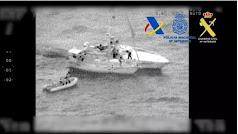 Velero interceptado en aguas de Almería con 200 kilos de hachís - GUARDIA CIVIL/POLICÍA NACIONAL/AGENCIA TRIBUTARIA